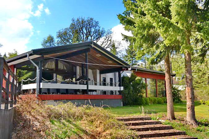 Exklusives Ferienhaus mit gehobener Ausstattung in direkter Seelage!