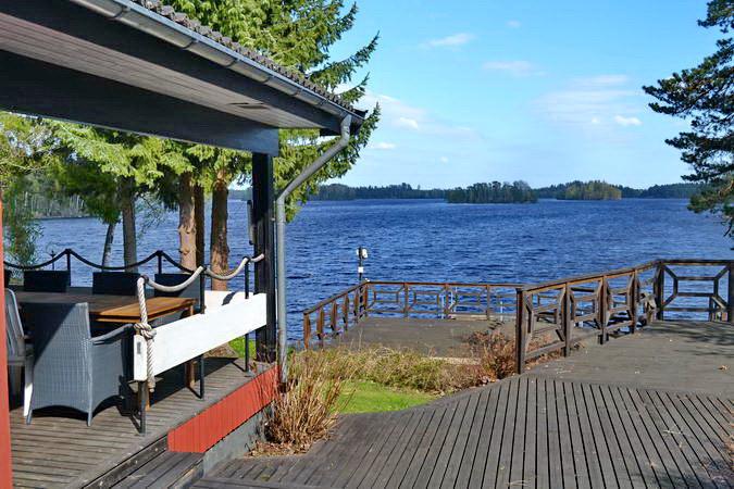 """Blick von der Veranda über den großen See """"Nömmen"""""""