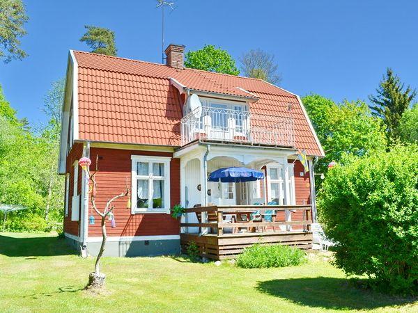 Blick auf das Haus mit Veranda