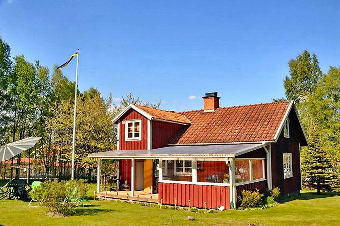 Blick auf das Haus aus dem Garten