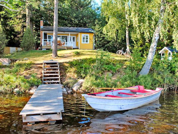 """""""Haus Lilla"""" - direkte Seelage mit eigenem Boots- und Badesteg und hauseigenem Ruderboot!"""
