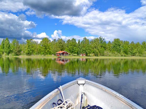 Blick vom Boot auf das Haus