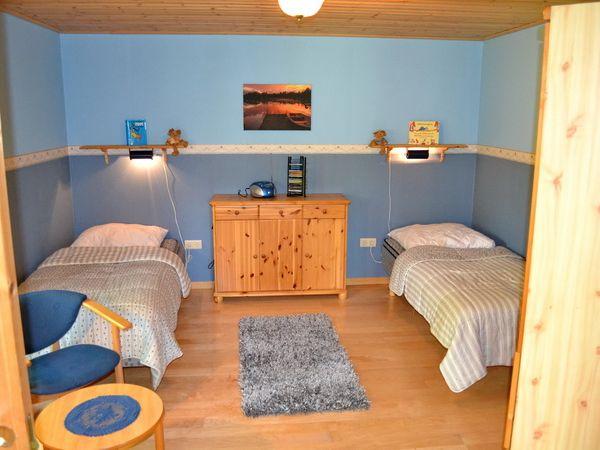 Schlafzimmer mit 2 Einzelbetten (zusammenstellbar)