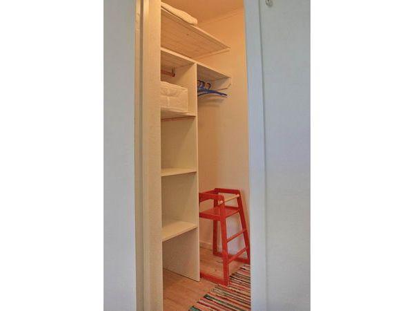 begehbarer Kleiderschrank im Schlafzimmer 1