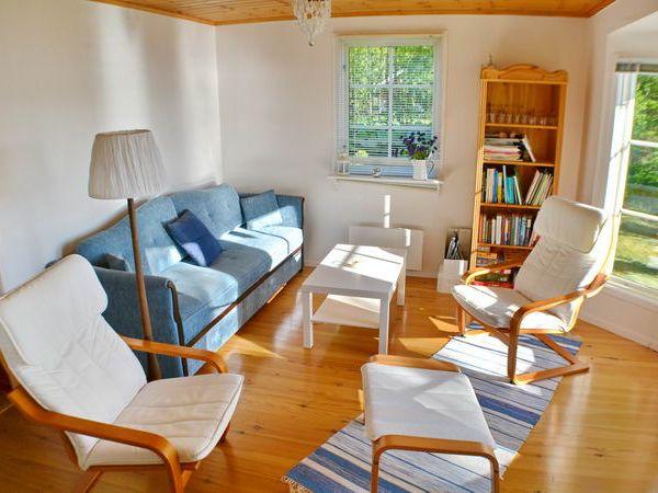 Wohnzimmer (Das Sofa ist ausziehbar als Bett für 2 Personen.)