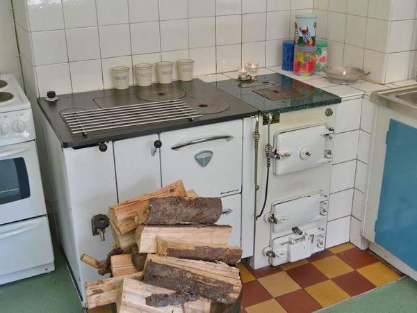 Der traditionelle Holzherd darf benutzt werden!