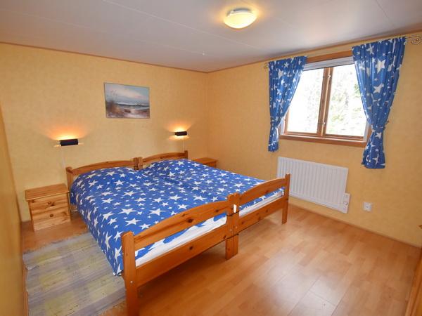 Bad Nr. 2 mit WC und Dusche