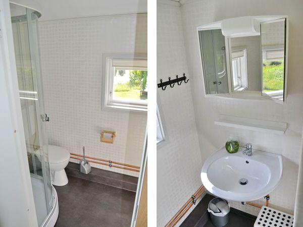 Badezimmer mit WC und Dusche im Obergeschoss