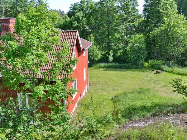 Blick von der Sauna zum Haus