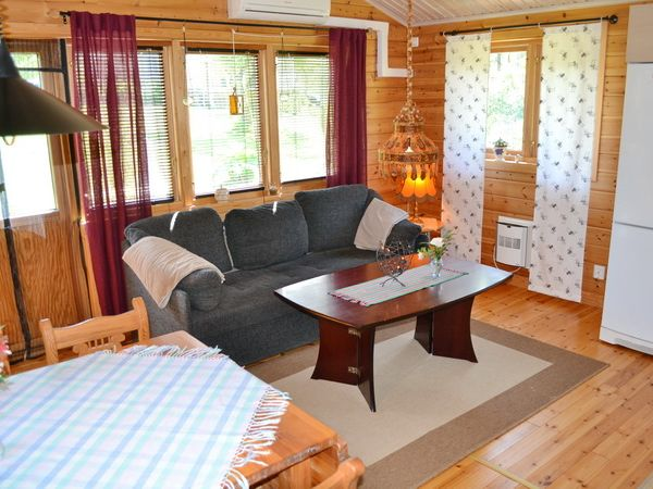 Wohnzimmer (mit Schlafsofa für 2 Personen)