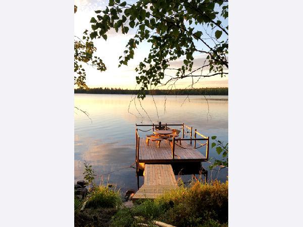 """Boots- und Badesteg am See mit toller """"Schwimmterrasse"""""""
