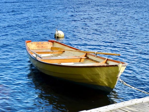 das hauseigene Ruderboot (Elektromotor zubuchbar!)