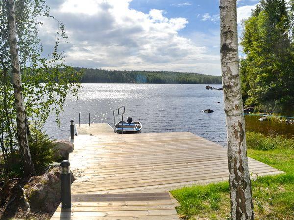 Terrasse und Blick über den See