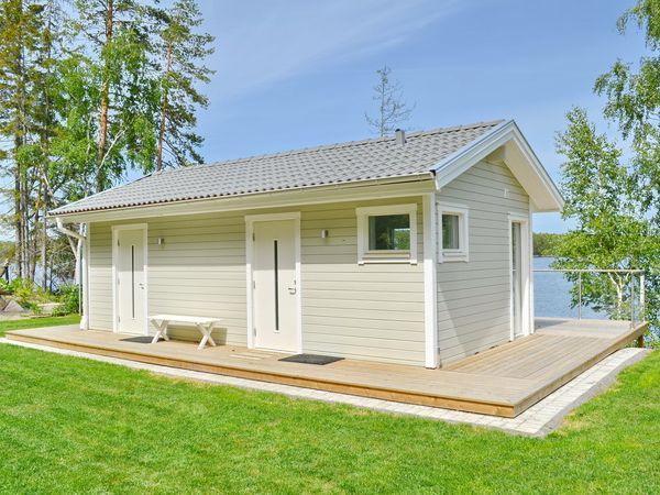 Nebengebäude mit Sauna und Wohn/Schlafraum