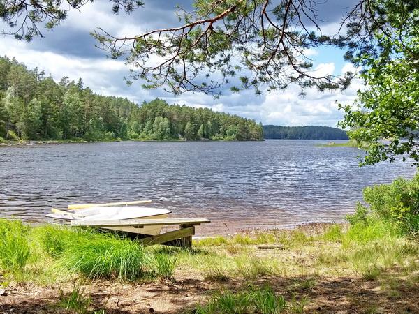 Boots- und Badeplatz am See