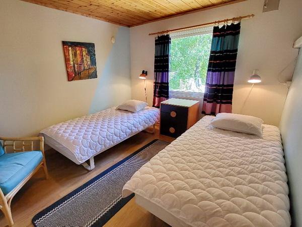 Schlafzimmer 3 mit zwei Einzelbetten