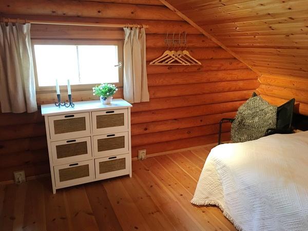 Schlafzimmer im Obergeschoss mit zwei 160cm-Betten
