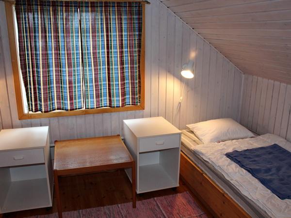 Schlafzimmer 2 mit zwei Einzelbetten (im Obergeschoss)