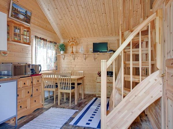 Wohnraum mit integrierter Küche (kleines Haus)