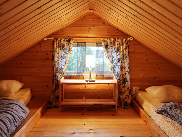 Schlafboden für 2 Personen (kleines Haus)