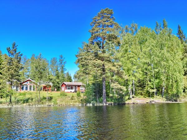 Traumhafte Alleinlage, direkt am großen See!