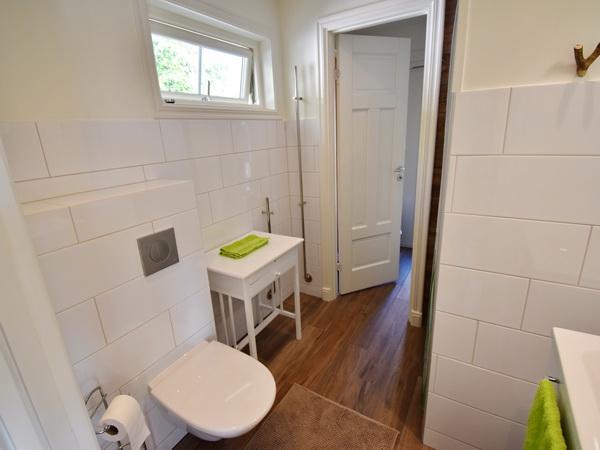 Badezimmer 2 mit WC und Dusche