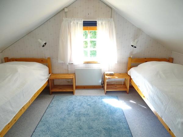 Schlafzimmer mit 2 Einzelbetten (zubuchbares Gästehaus)