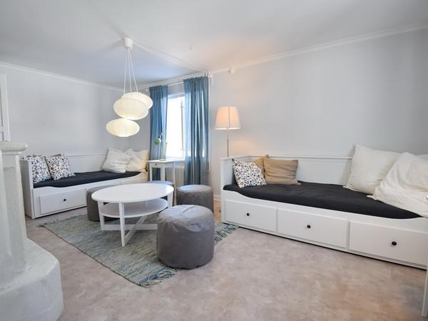 Schlafzimmer im Erdgeschoss mit 2 Betten (jeweils auch ausziehbar als Doppelbett)