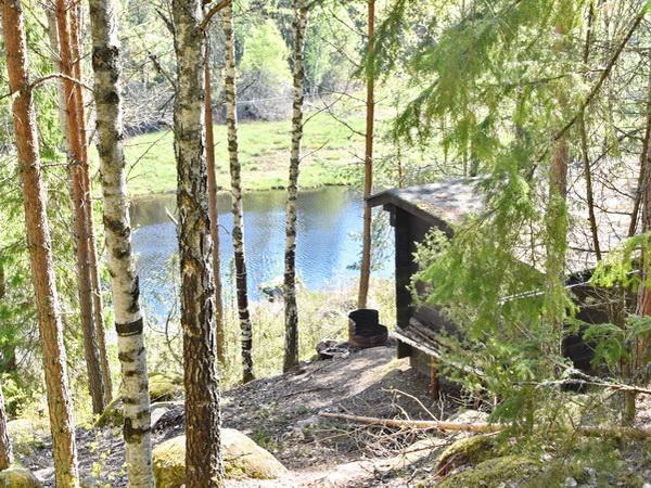 öffentliche Übernachtungshütte für Wanderer/Kanufahrer am Fluss (900m vom Haus entfernt)