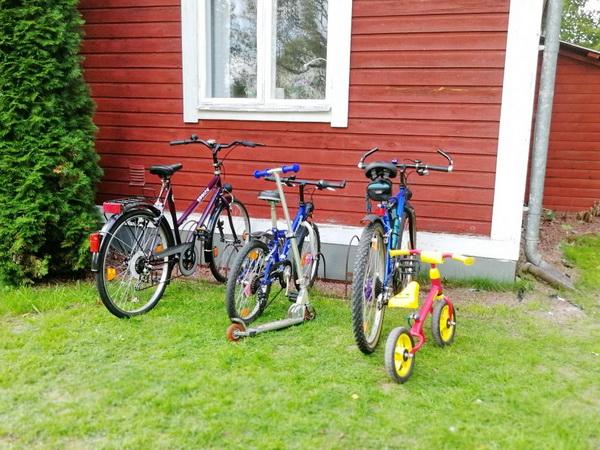 die hauseigenen Fahrräder