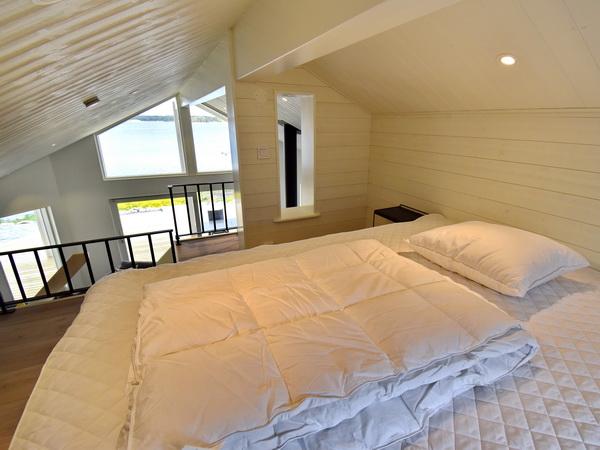 Schlafboden mit 140cm-Bett
