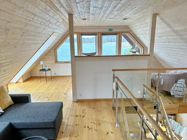 Doppelbett auf der Galerie