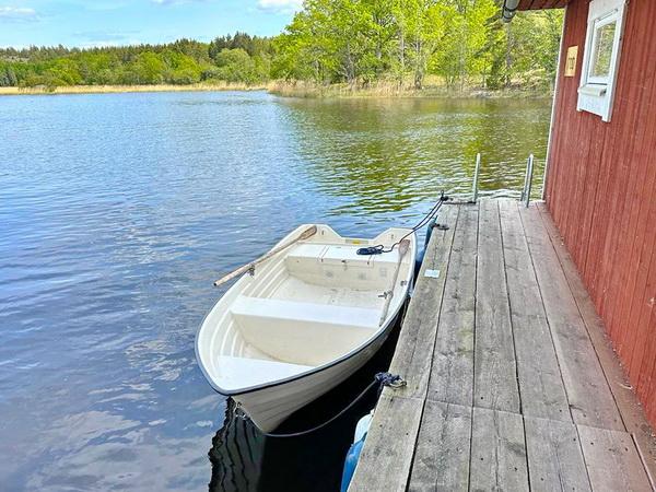 das hauseigene Boot mit 6 PS Außenbordmotor