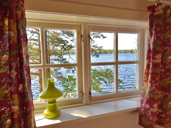 Seeblick aus dem Schlafzimmerfenster