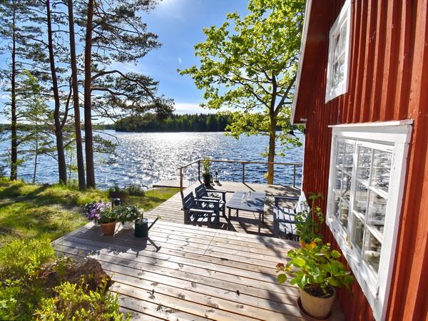 Terrasse und Seeblick