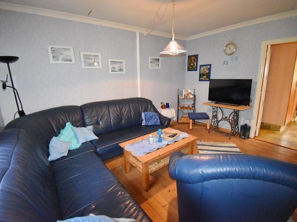 Wohnzimmer mit deutschem Sat-TV