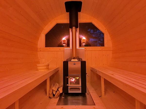Sauna im Dunkeln
