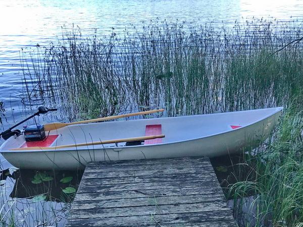 das hauseigene Ruderboot mit E-Motor