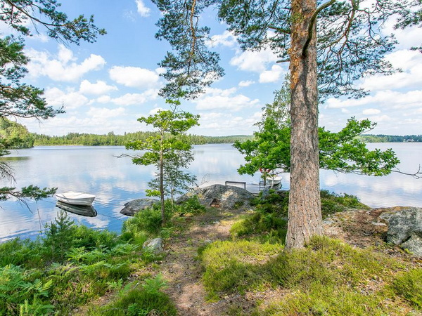 Badestelle am See (100m vom Haus)