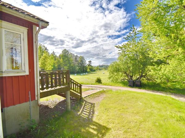 Blick vom Haus in die Landschaft