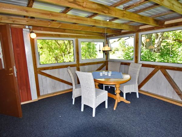verglaste Veranda (Zugang von der Küche)