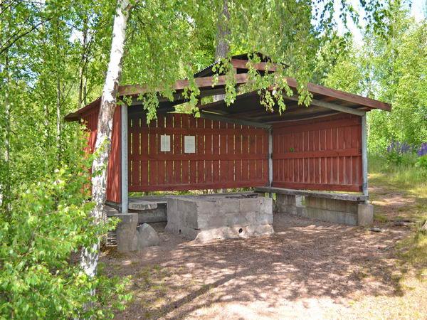 Gemeinschafts-Grillhütte am See